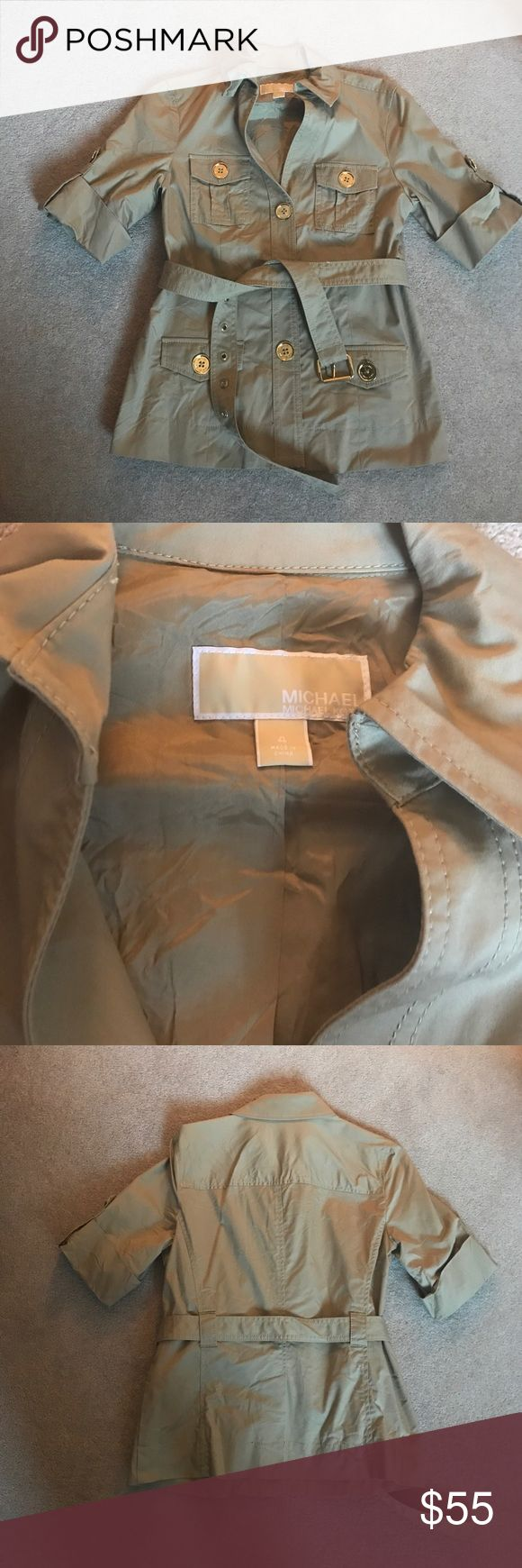 Michael Kors khaki blazer Michael Kors khaki blazer. Only worn twice. No marks. 97% cotton/ 3% spandex. Some fraying on belt (pictured above) ⭐make an offer⭐ Michael Kors Jackets & Coats Blazers