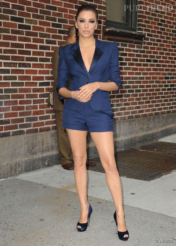 Eva Longoria en tailleur short.