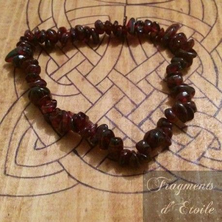bijou bracelet lastique pierre semi prcieuse grenat rouge fonc sombre perles irrgulires chips pastel sotrisme - 45 Ans De Mariage Pierre Precieuse
