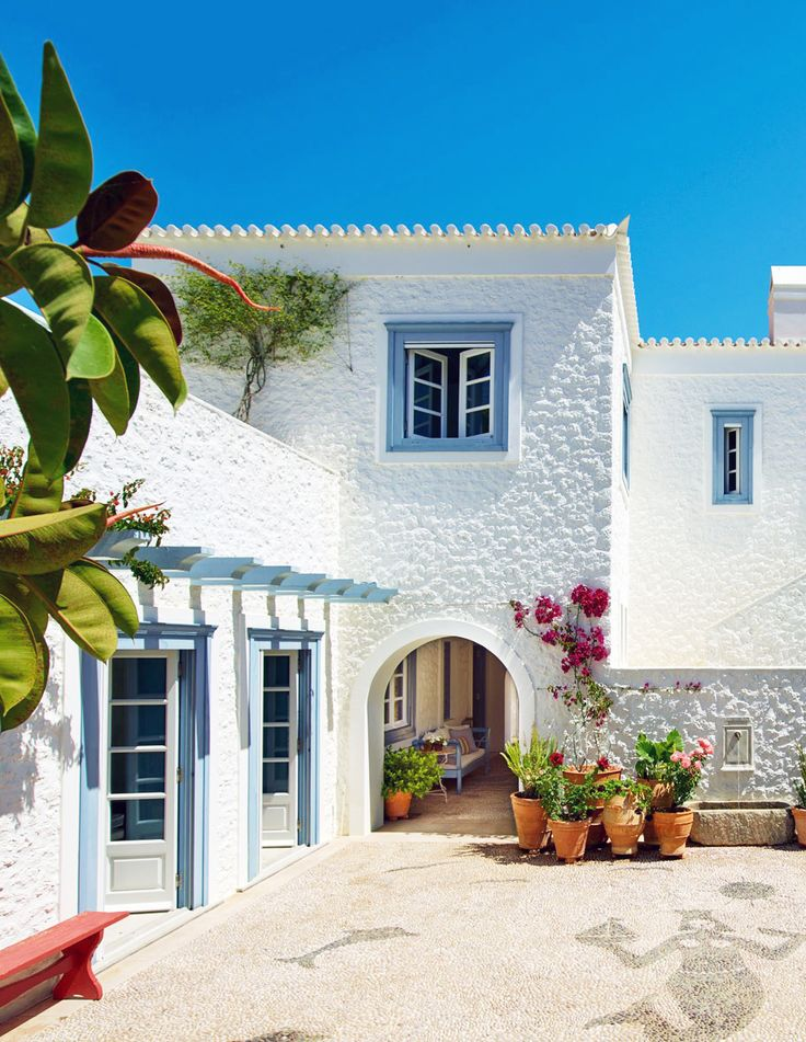 House Tour :: Refined & Relaxed Style in the Greek Islands