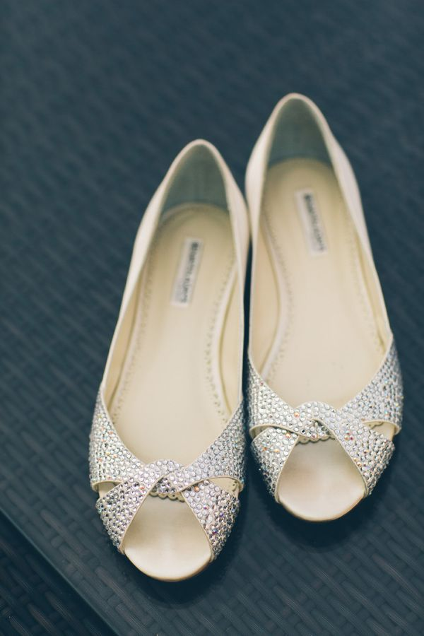 Sparkly-chic flats: http://www.stylemepretty.com/new-york-weddings/new-york-city/2015/08/17/elegant-chic-fort-tryon-park-outdoor-wedding/ | Photography: Cynthia Chun Weddings - http://www.cynthiachungweddings.com/