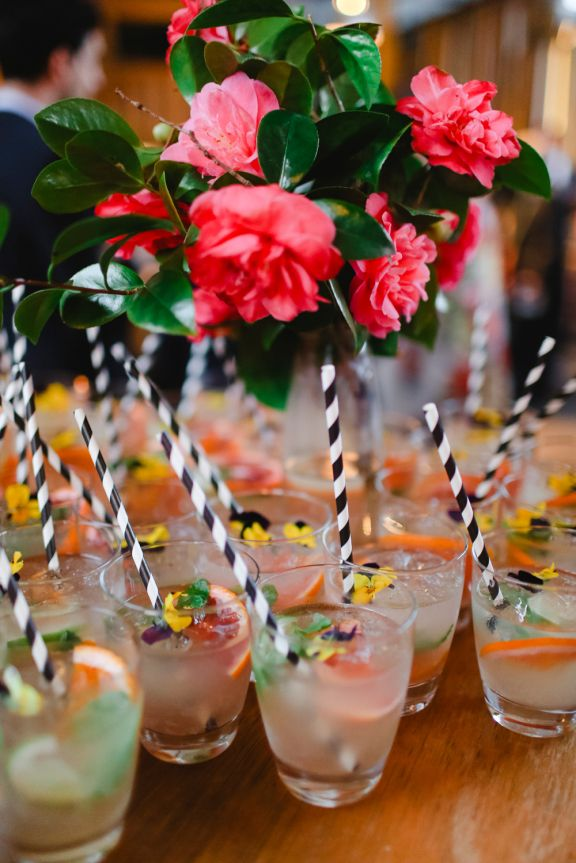 cocktails with edible flowers