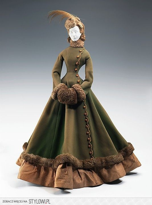 Catherine Sloper might have worn this beautiful coat around for the cold NYC winter
