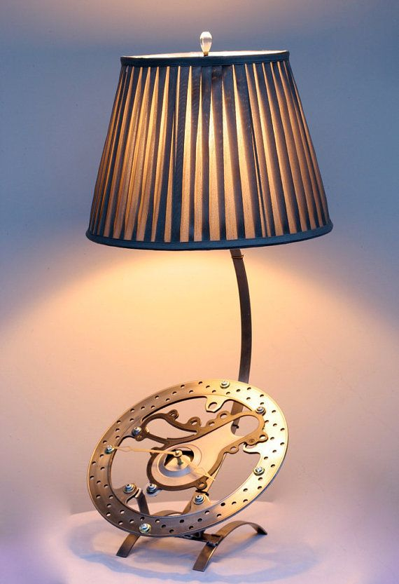 Lamp made from recycled motorcycle parts arte con - Piezas para lamparas ...