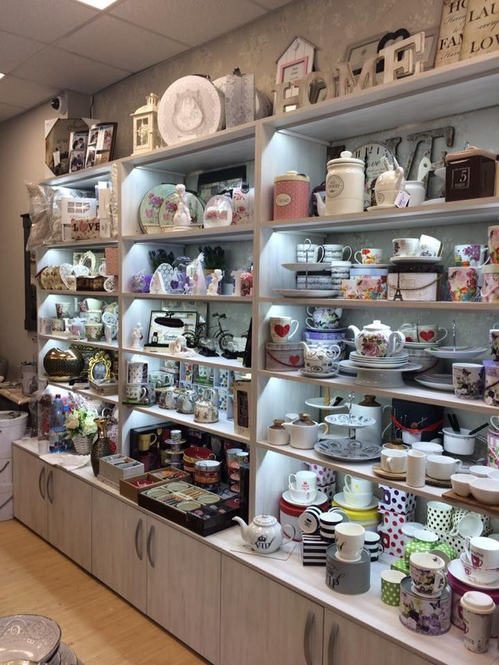 In magazinul Ambiance Deco din Baia Mare ai cea mai mare varietate de decoratiuni alese cu grija de specialistii nostri.