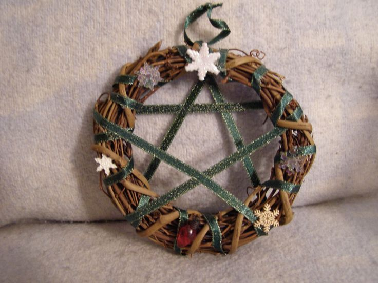 Pagan Yule Crafts   The Wiccan Life