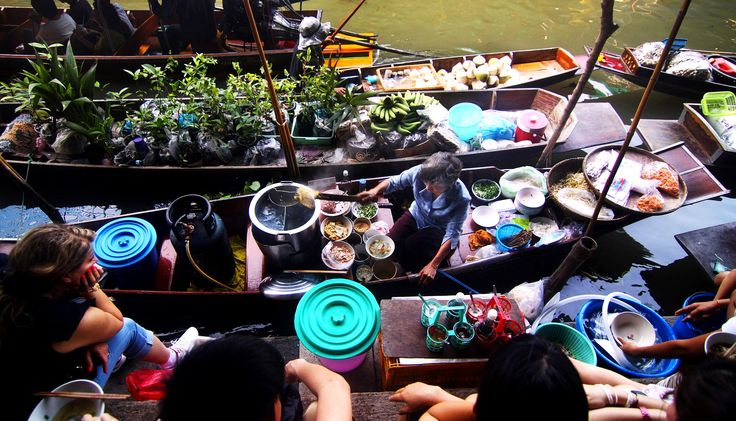 Couples traveling together can experience other cultures such as floating food market. Traveling together as a couple is great for building a healthy relationship. Find out the benefits of traveling as a couple.  #travelcouples #traveling #benefitsoftravelingasacouple #funactivitiesforcouples #creatememories #travelideas #learnothercultures #travelexperience