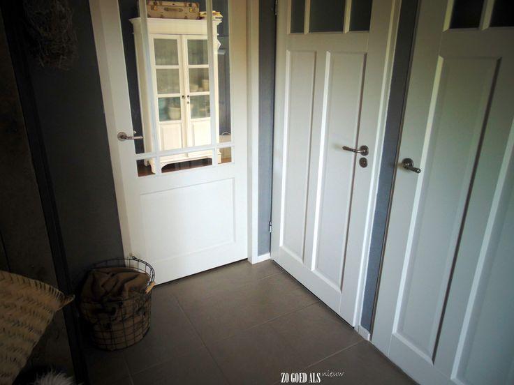 Nieuwe deuren in de hal interieur interior stoer for Eetkamerstoelen landelijk interieur