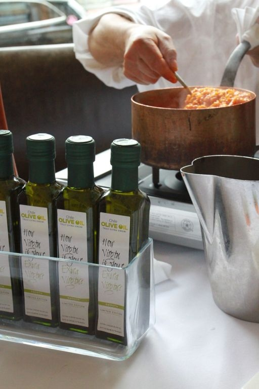 Cooking a tasty risotta using Chilean EVOO!
