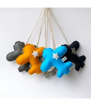 This pendant made ​​of 100% wool felt.