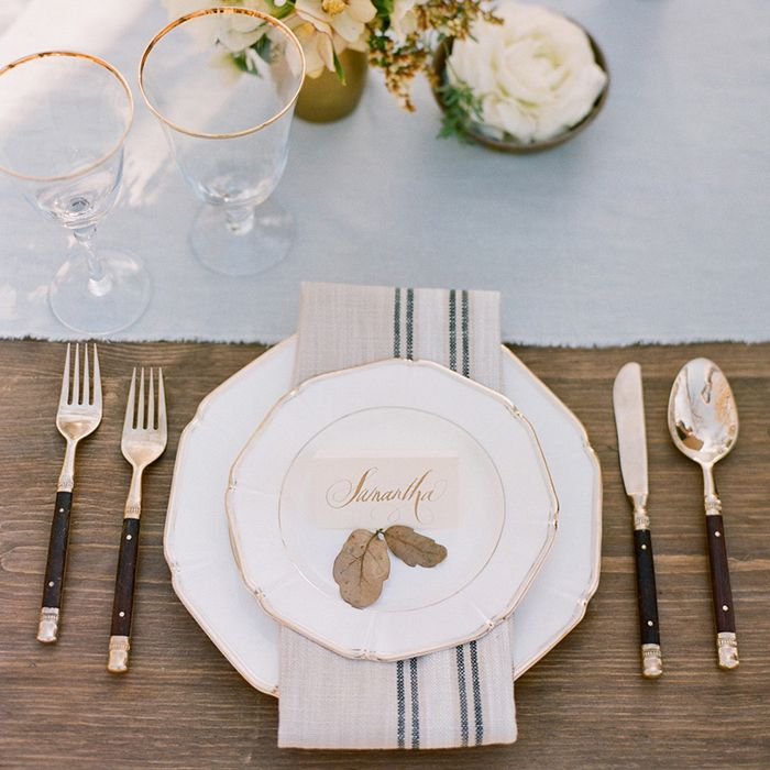 Wedding table setting ideas #rusticweddinginspiration
