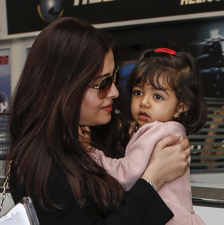 Aishwarya Rai & daughter Aaradhya - Cannes 2013