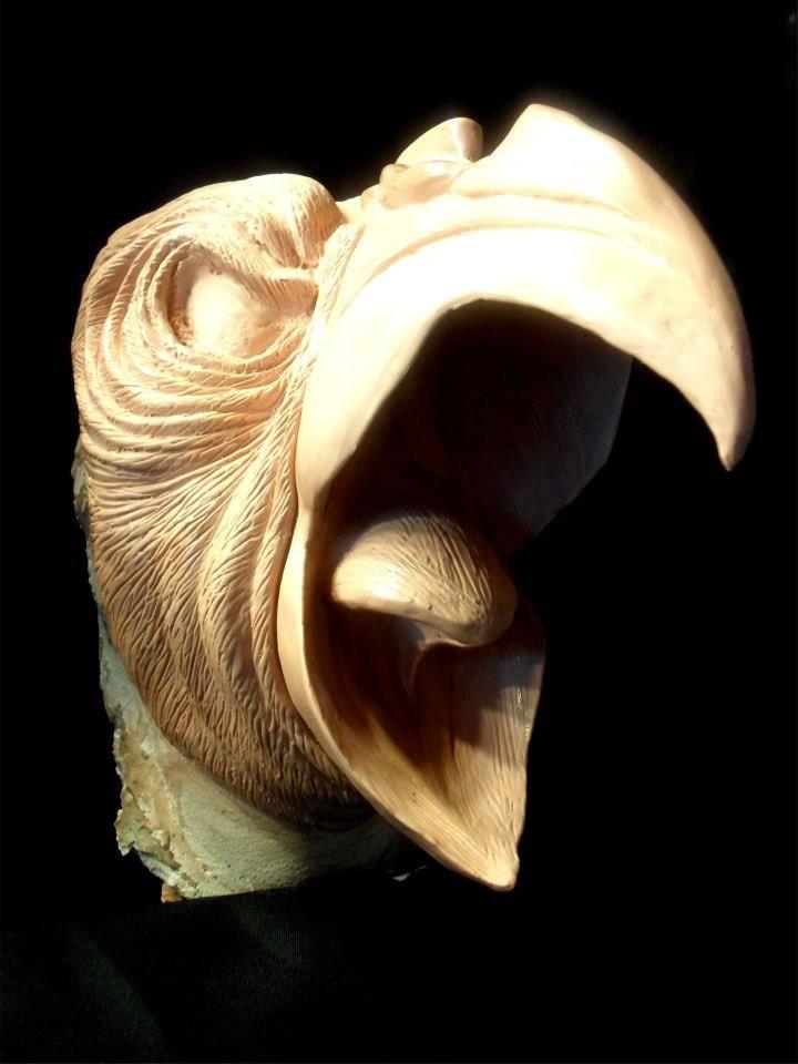 Modelado mascara de pajarraco.