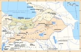 Dynastia Orontid, to satrapi Armenii po upadku Urartu. Armenia podlega Persji, a potem syryjskiemu krolowi-Antiochowi Wielkiemu.W tym czasie pierwszy raz pojawia się nazwa Armenia używana synomicznie z Urartu.Ok 570r p.n.e. Orontes I,Tigranes Orontid,Vahagn,Hidarnes I,II,III, Ardashir,Orontes,Darius Codomanus,Orontes II, Mithranes,Perdicas,Neoptolemus,Eumenes,Mihran,Orontes III,Sames Of Sophene,Arsames I,II,Kserkses,Abdissares,Orontes IV,Ptolemaeus.