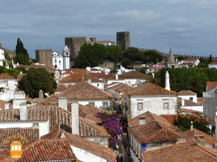 Óbidos has one of the most beautiful castles and citadels in the country - you can find them in the center of Portugal.
