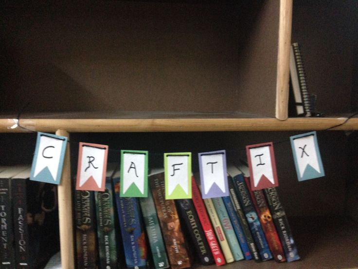 There's a fun leaflet banner. Learn how to make it at www.craftixblog.blogspot.in