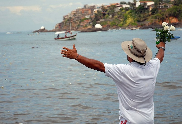 Saudação a Iemanjá na Praia do Rio Vermelho, Salvador, Bahia, Brazil