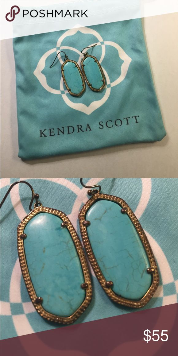 Kendra Scott Elle earrings Kendra Scott turquoise Elle earrings with jewelry bag Kendra Scott Jewelry Earrings