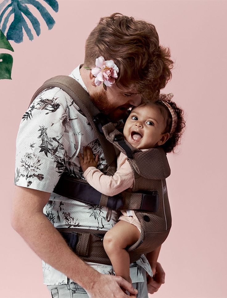 BabyBjörn Baby Carrier One in Cocoa