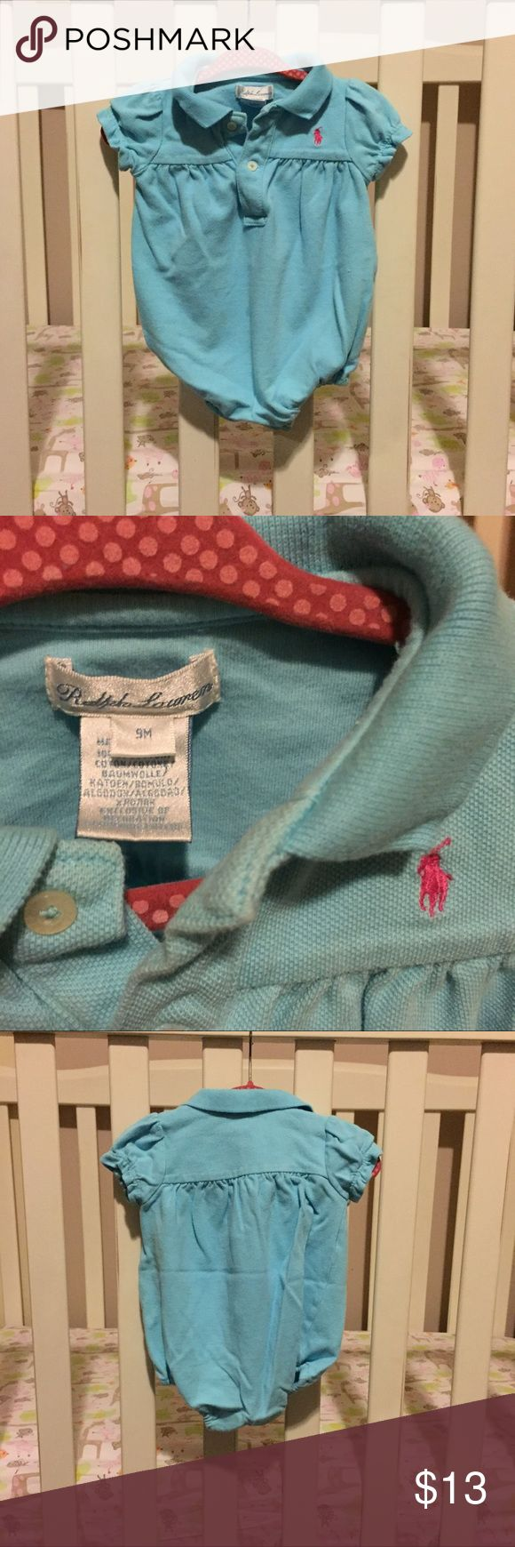 👧🏻 Ralph Lauren Baby Blue Polo Shirt Onsie Ralph Lauren Baby Blue Polo Shirt Onsie, EUC, 9 Months. Price is fairly FIRM because of fees but always welcome bundles for savings 😊 Ralph Lauren One Pieces Bodysuits
