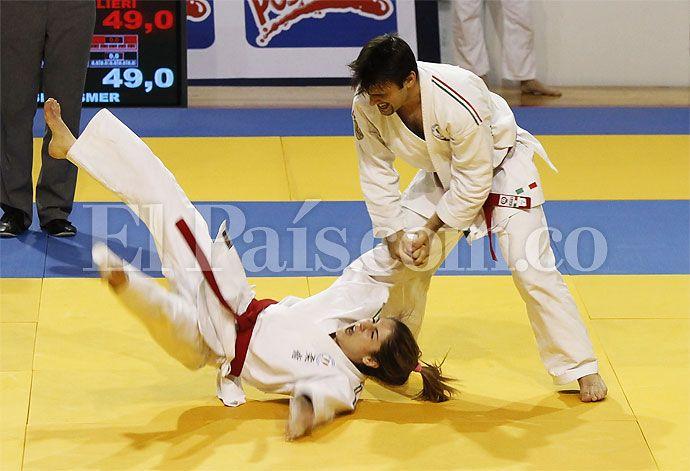 En desarrollo de la quinta jornada de competición de los Juegos Mundiales Cali 2013, se estrenaron en las justas la Arquería y el Levantamiento de Potencia. De la delegación colombiana se destacó el Bronce logrado por Wilson Alzate Cortés, en la categoría 62 kg lucha masculino del Jiu-jitsu. También hubo bronce en Softball,