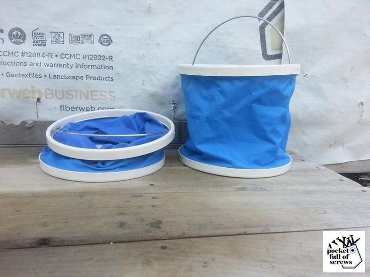 Folding water carrier