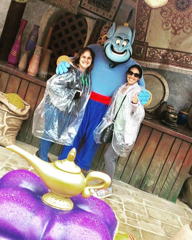 """La classe à Dallas avec nos ponchos 👌🤣 Yes, I've made a wish ✨✨ Aladdin, Jasmine and then #genie!!! Lucky us 😎 #tb #summer #2017 #disney #disneycharacter #characters #photooftheday #instagood #instadaily #friends #happy #style #magic #travel #travelgram #instatravel #voyage #viaggio #viagem #viaje #tourist #genio #lamp #magical #children #enfant #bambina #childhood #magickingdom"" by @sarahkartel. #fslc #followshoutoutlikecomment #TagsForLikesFSLC #TagsForLikesApp #follow #shoutout…"