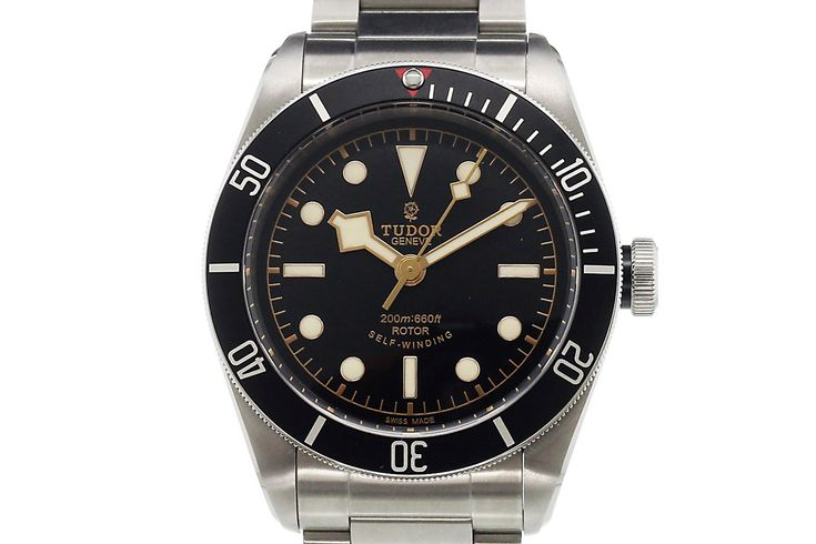MONCHROME: 5 Cool Finds – Five Essential Dive Watches from Highly Respected Brands