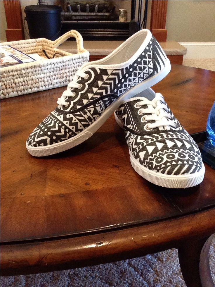 DIY sharpie shoes.