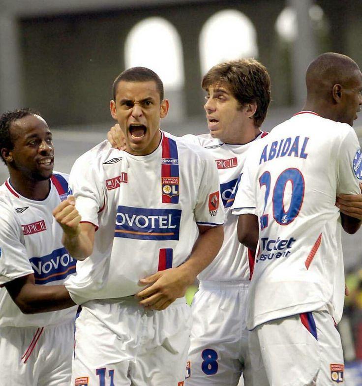 Once upon a time...   Govou, Fred, Juninho and Abidal...  Lyon'un efsane yıllarından...