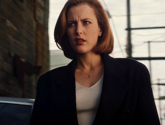 Dana scully shower, one guy two girls