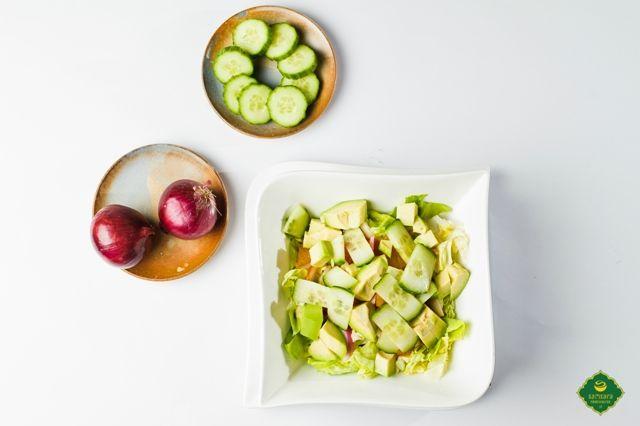 salata de citrice cu avocado samsara foodhouse