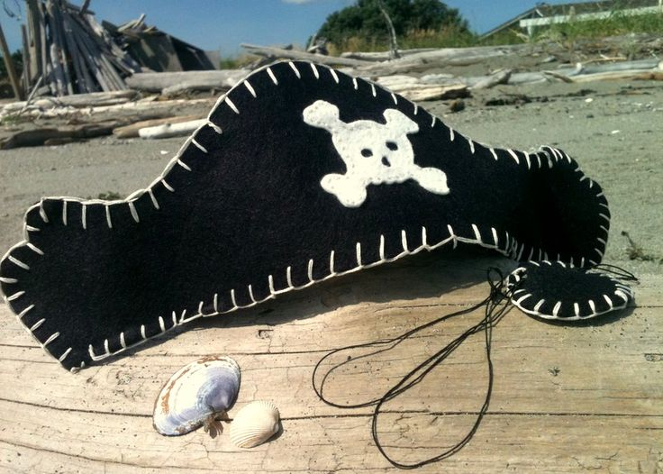 Pirate hat and eyepatch tutorial by Jessica Edmonds.