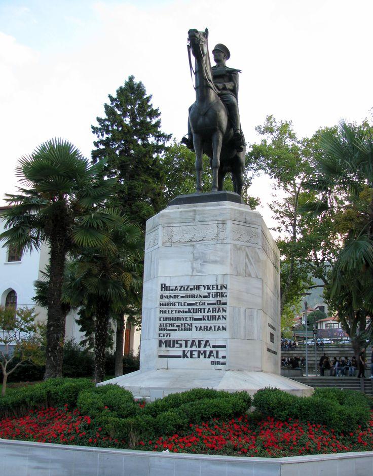 Bursa - Heykel Atatürk Anıtı Statue of our Great Leader Atatürk