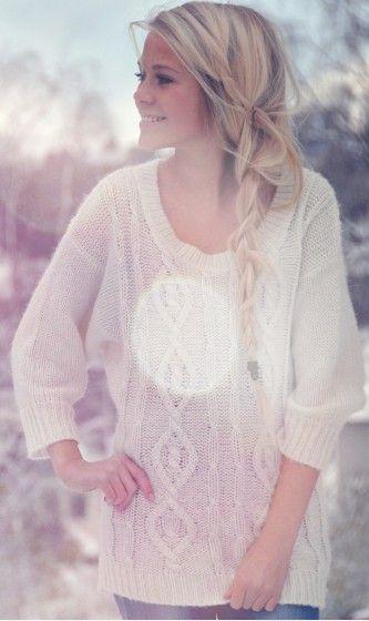 Long messy braid:)Big Sweaters, Chunky Sweaters, Long Hair, Messy Braids, Loose Braids, Cozy Sweaters, Oversized Sweaters, Side Braids, Knits Sweaters