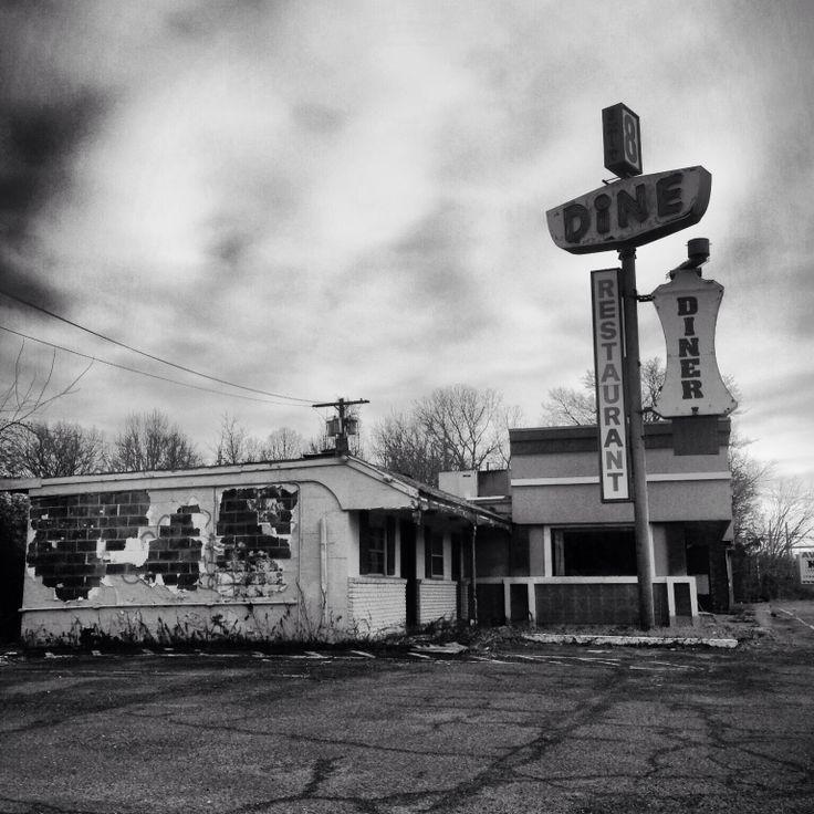 Mom's Diner. Abandoned Restaurant NJ.