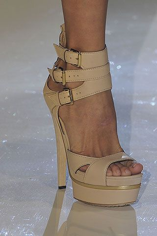 : Nude Shoes, Gucci Spring, Runway Shoes, Fashion Chic, Color, Gucci Shoes, Pump, High Heels, Platform Sandals