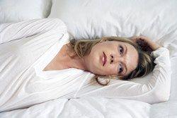 Grossesse et comportement - Enceinte ou pas? les symptômes, les premiers signes - La grossesse favorise l'hyper sensibilité L'annonce de la grossesse est comme un tremblement de terre, une révolution se prépare dans votre vie et dans votre couple, mais la présence du bébé n'est pas encore visible...