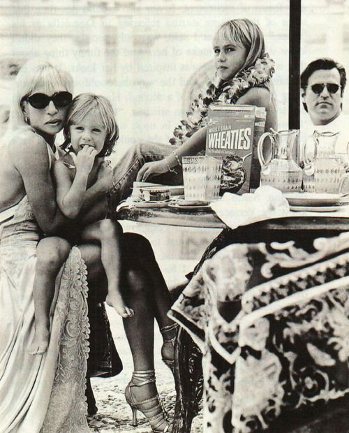 VERSACE VERSACE FAMILY DONATELLA VERSACE Photo Shot by Bruce Weber