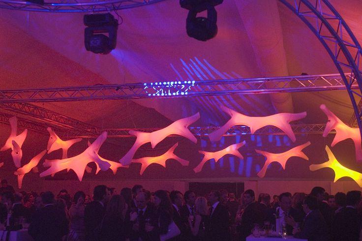 Verlichte kunstzinnige lampen, zeer geschikt voor de aankleding van een evenement