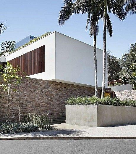 44 best my home images on pinterest house studio homes - La maison ah au bresil par le studio guilherme torres ...