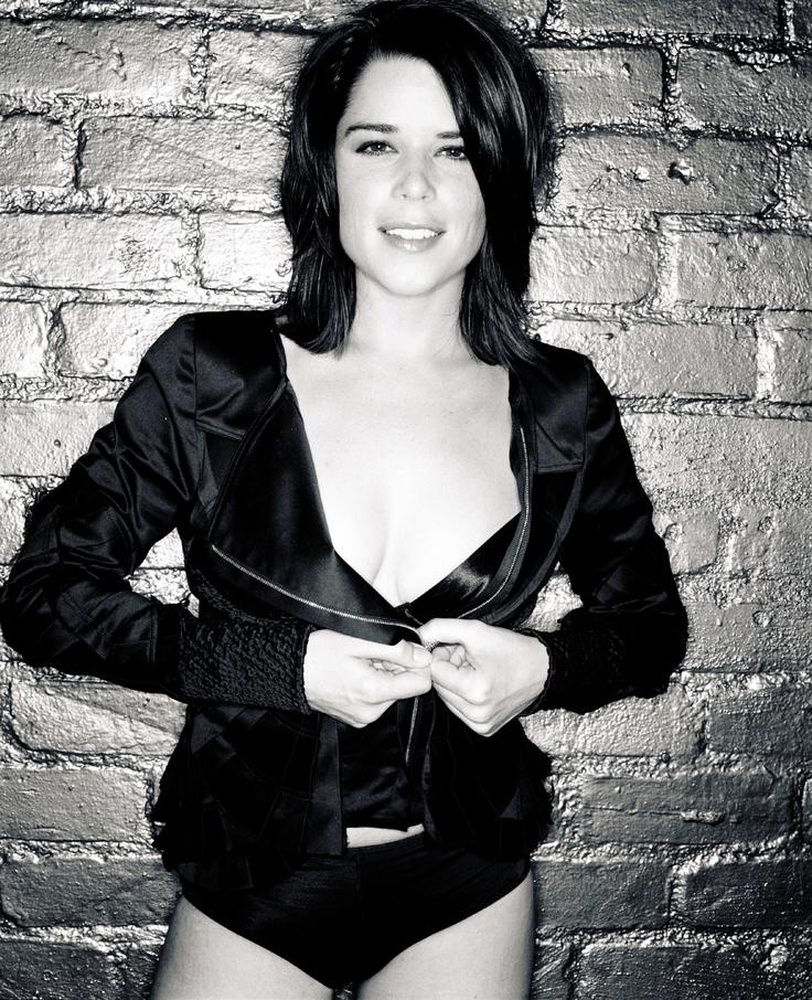 Wo findet man Nacktfotos von Neve Campbell? -