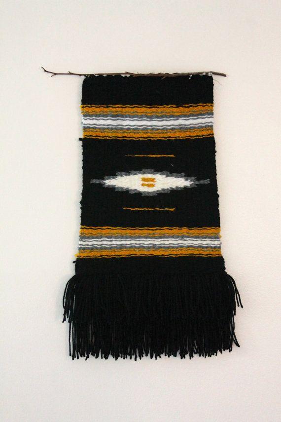 Colheita. Tapeçaria feita com fios de algodão, tecida à mão em Santa Bárbara, Califórnia, USA. Artesã: Tessa Grace.  Fotografia: https://www.etsy.com