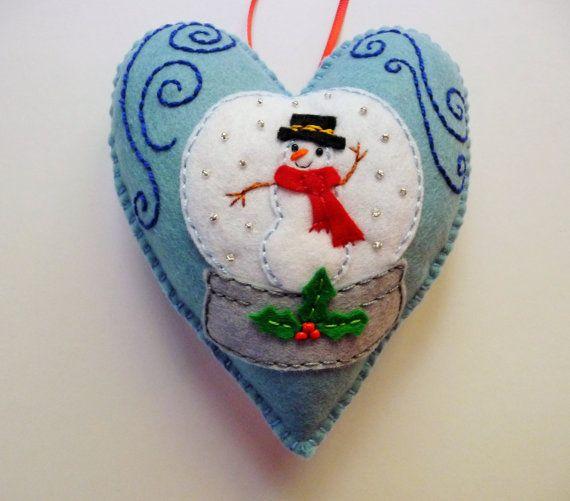 Snow Globe Felt Heart Ornament, Snowglobe Ornament, Doorknob Hanger, Doorknob Pillow, Winter Decor, Snowman Ornament, Felt Snowman