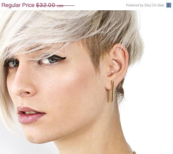 short hair with fringe bangs