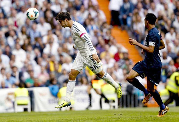 FUTBOL/SOCCER. Crónica REAL MADRID 2 MÁLAGA 0. Resultados y clasificación. Proximos partidos de la UEFA CHAMPIONS LEAGUE.