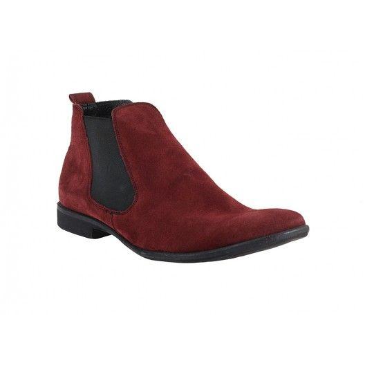 Členkové šemišové čižmy červenej farby s čiernou podrážkou a gumičkou po stranách - fashionday.eu