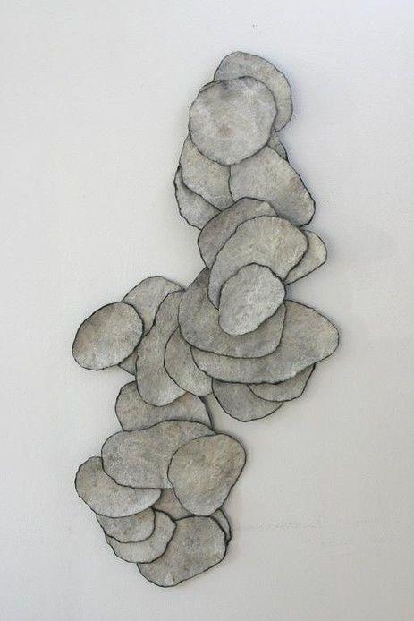"""""""Le feutre en mouvement"""" jusqu'au 21 juillet. Le Musée du Feutre de Mouzon. Place du Colombier. 08210 Mouzon. Ouvert de mai à juillet de 14 à 18h. www.mouzon.fr/musee.asp"""