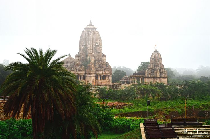 The Meera Temple is one of the most popular temples in Chittorgarh. Dedicated to Meera Bai, the temple has both historical and religious significance. #meeratemple #rajasthan #chittorgarh #travelindia #Tourindia #Indiatravel #historyofIndia #heritage #heritageofIndia #temples #templetours