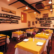 TRATTORIA DAI BERCAU - VERDUNO  In the old town centre of Verduno, this traditional trattoria with a youthful, relaxing and informal atmosphere offers typical local Langarola cuisine. There are two small dining areas, on different floors, ideal for those looking for a quiet intimate dinner or the delight of celebrating with a group of friends. For those who prefer to eat outdoors there is a large summer outdoor dining area, with a children's playground.